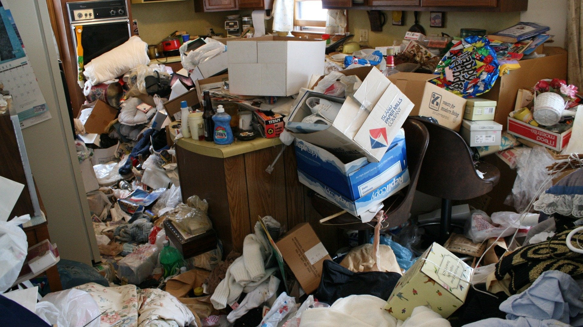 Hoarding: Buried Alive: Last Chance