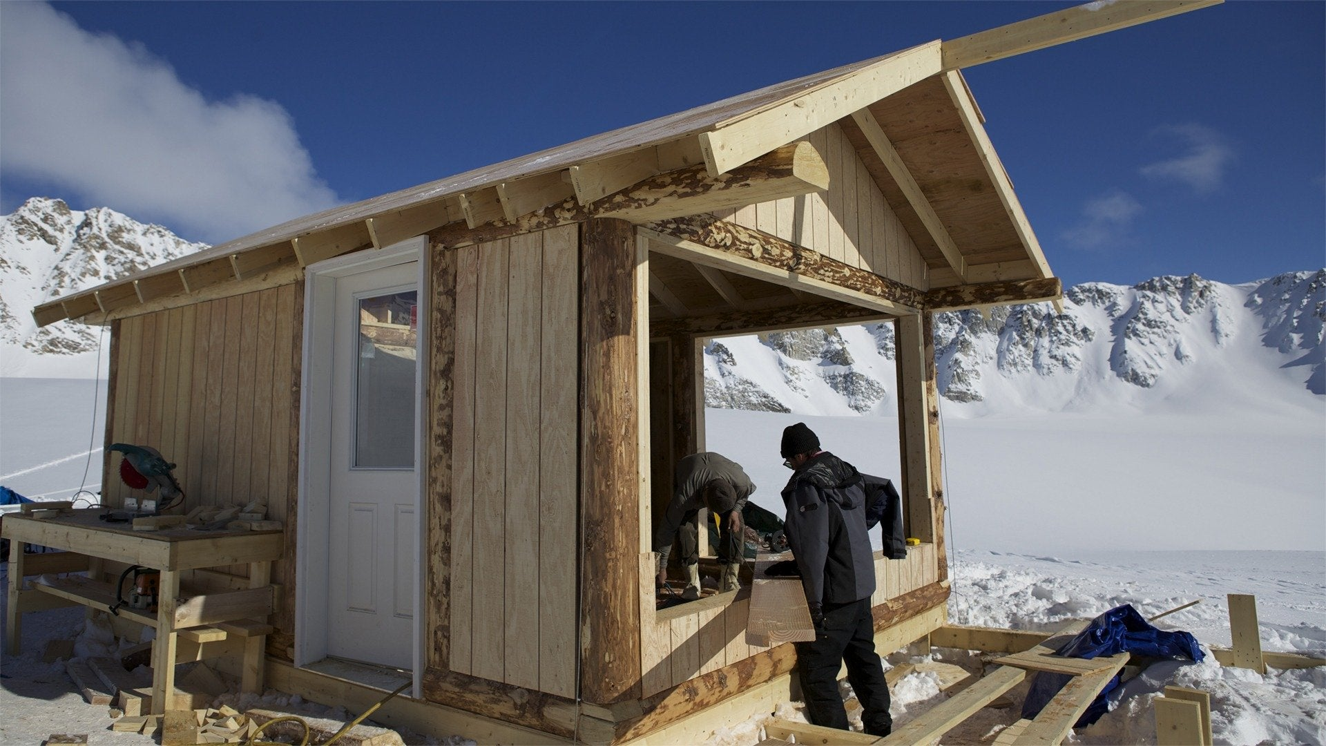 Building Off the Grid: Alaskan Glacier