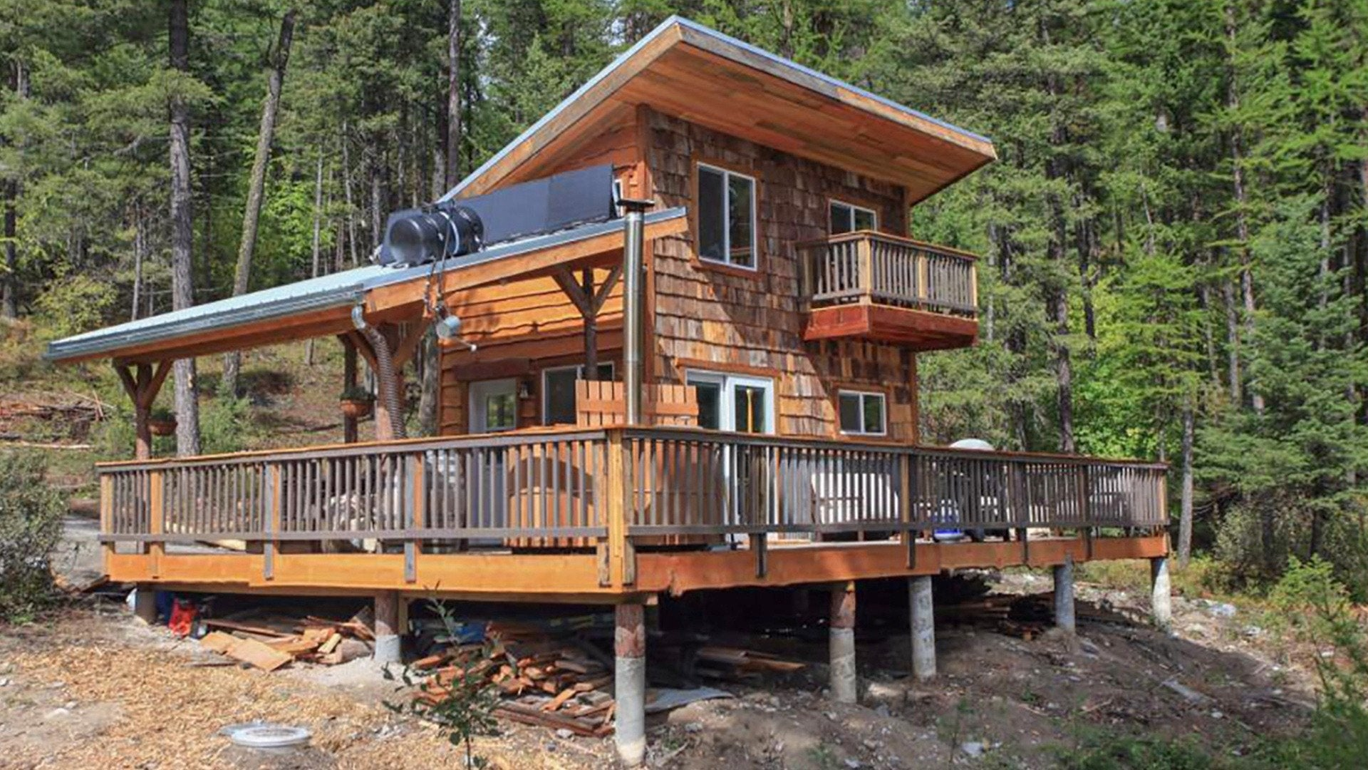Building Off the Grid: Tiny House on a Lake