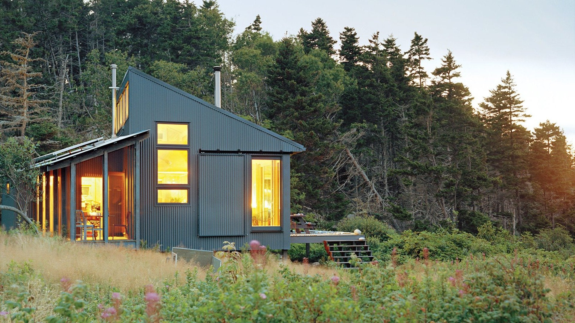 Building Off the Grid: Coastal Maine