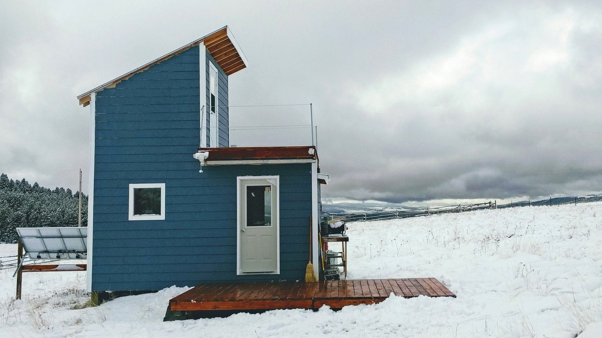 Building Off the Grid: Montana Earth Home