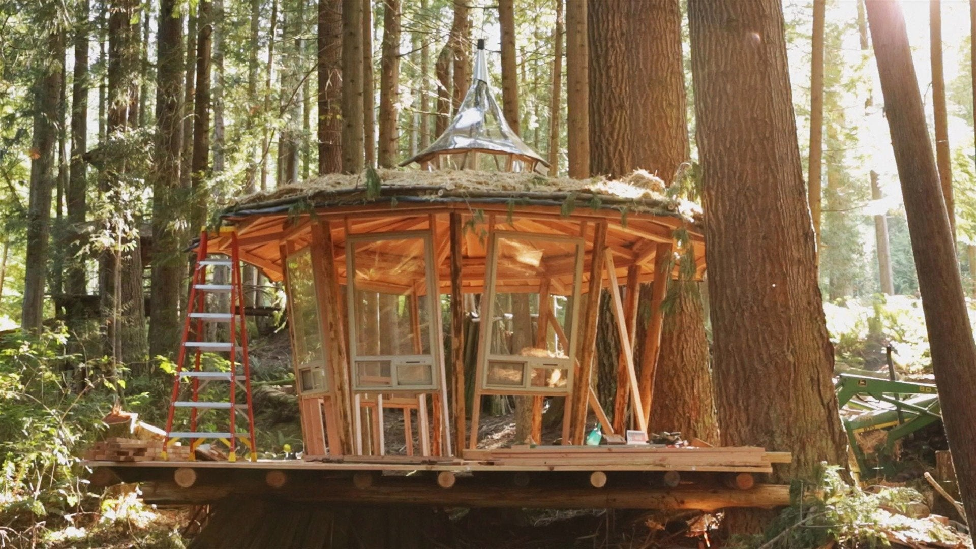 Building Off the Grid: Mushroom House