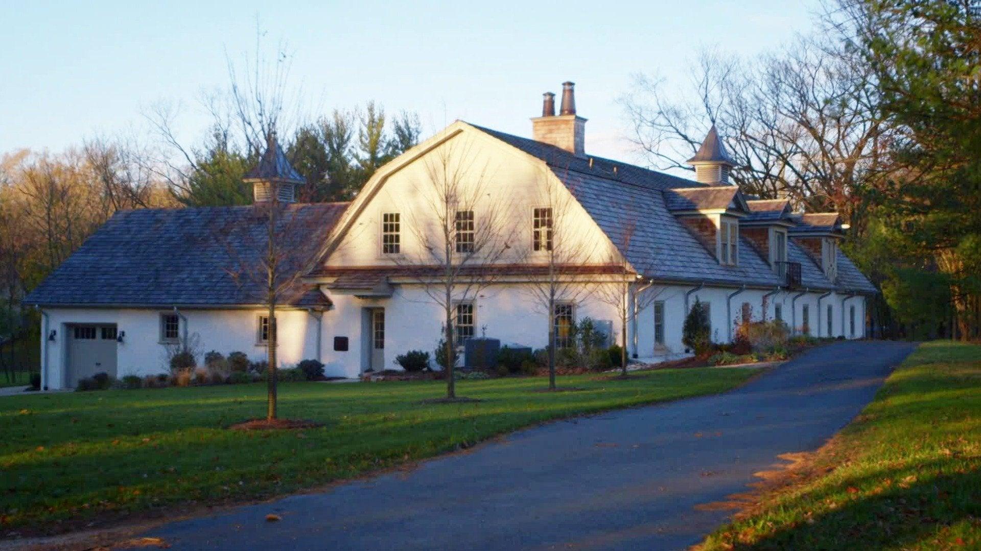 Barn Sweet Home: 1860s Barn Lake Home