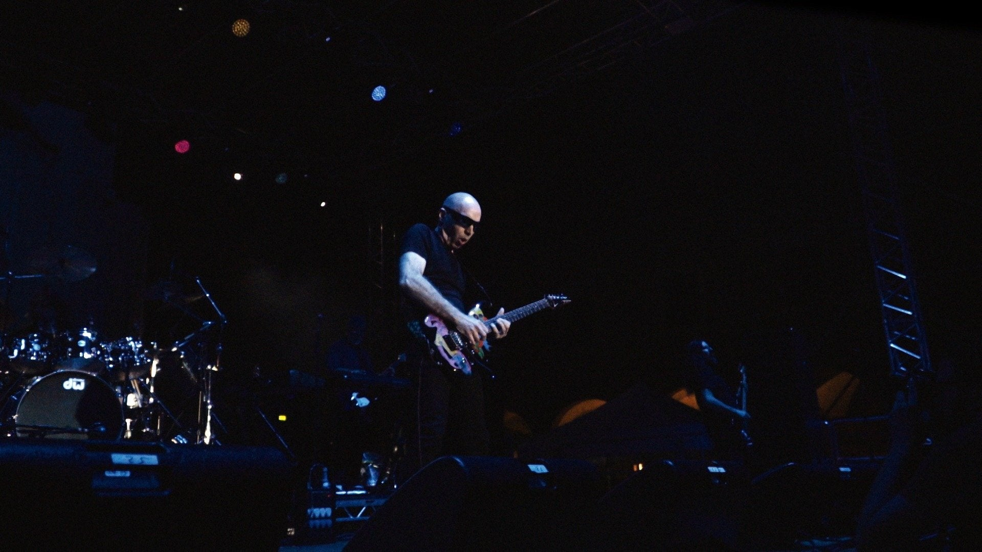 Joe Satriani: Beyond the Supernova