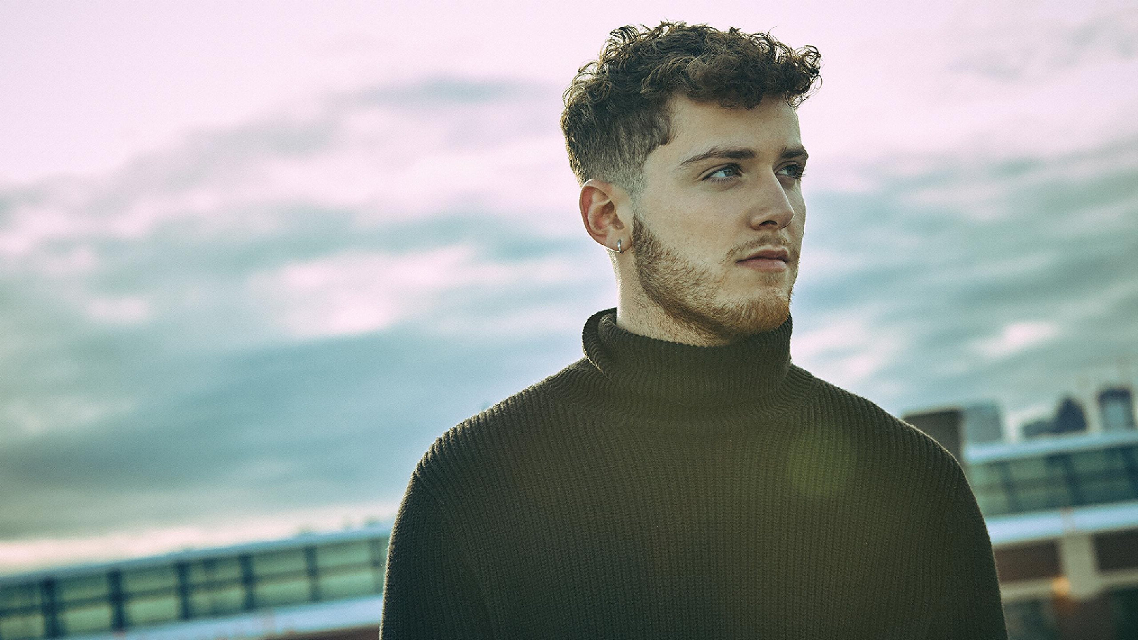 Push Showcase: Bazzi