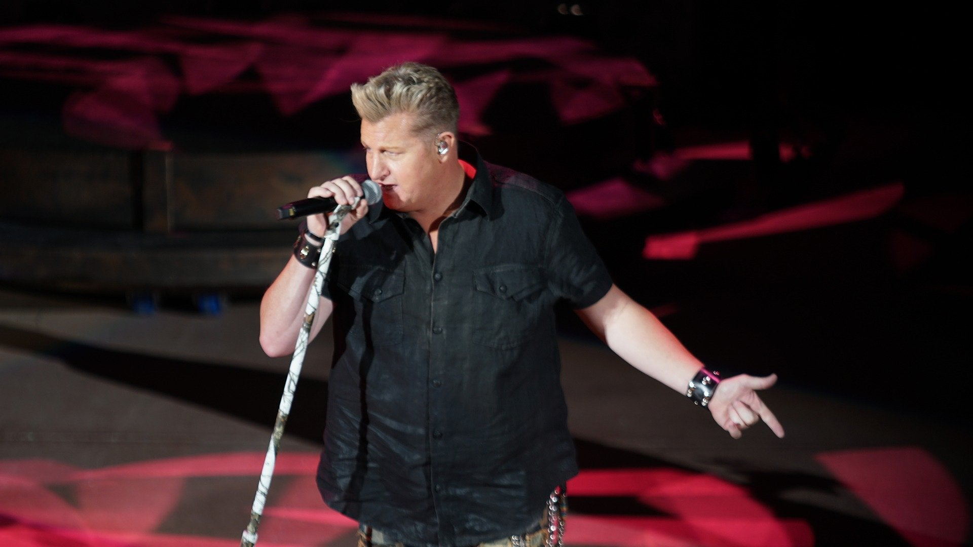 Rascal Flatts: Back to Us Tour - Live From Red Rocks